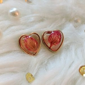 CUTE Heart with Leaves Earrings ❤️NEW❤️BOUTIQUE❤️